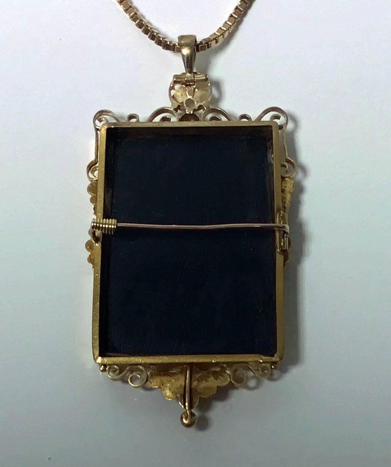 Antique Gold Pietra Dura Pendant Brooch, Italy, circa 1875 In Excellent Condition For Sale In Toronto, ON