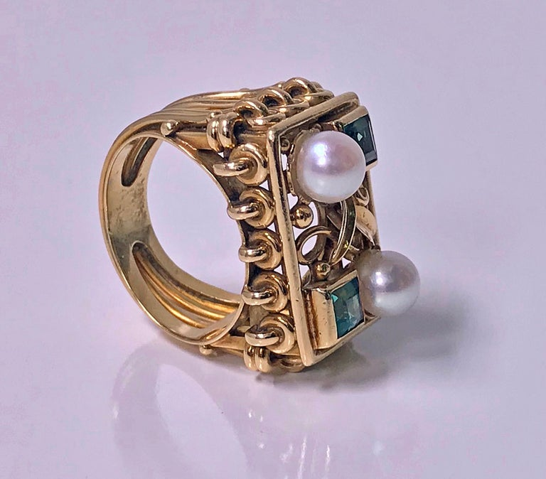Women's or Men's 1970s 18 Karat Pearl and Emerald Ring For Sale