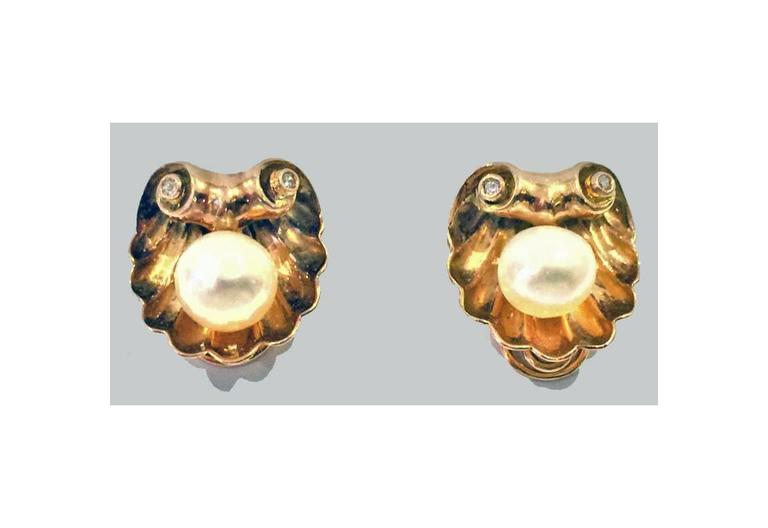 1940s Pearl Diamond Gold Shell Design Earrings 2
