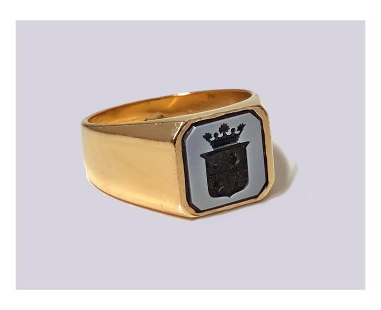 Antique Victorian Gold Sardonyx Ring 2