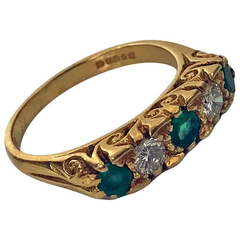 Classic English Diamond Emerald Carved Gold Ring For Sale