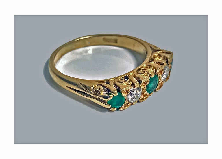 Women's or Men's Classic English Diamond Emerald Carved Gold Ring For Sale