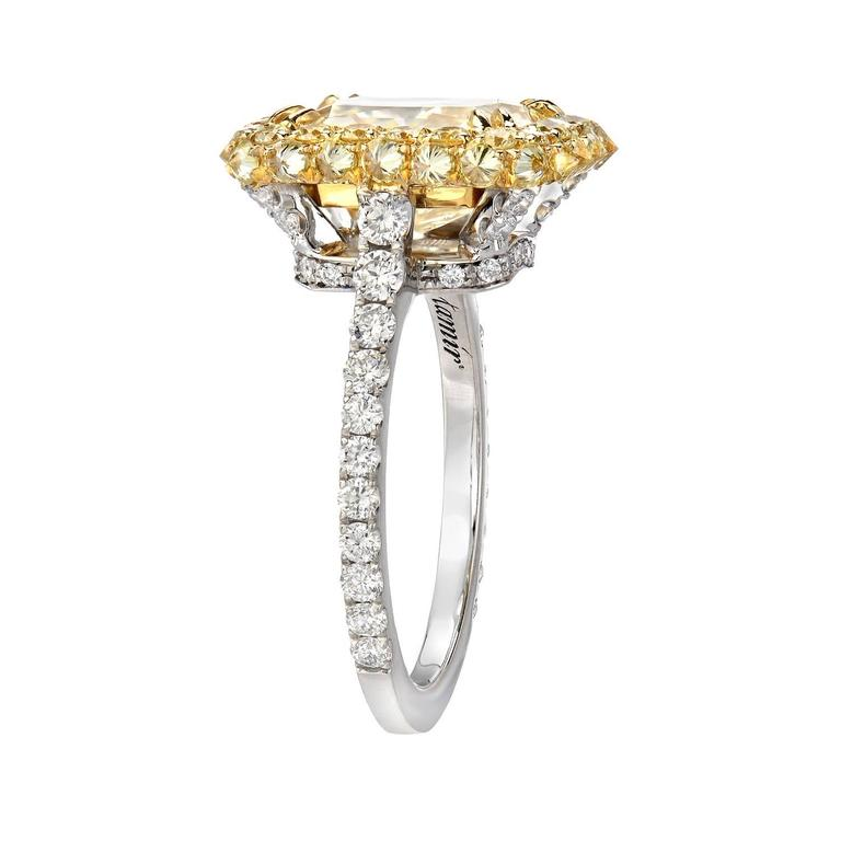 Women's Canary Fancy Light Yellow Diamond Gold Platinum Ring GIA Certified 3.78 Carat  For Sale