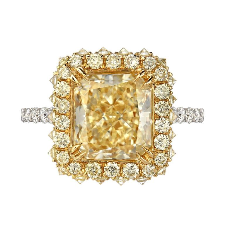 Canary Fancy Light Yellow Diamond Gold Platinum Ring GIA Certified 3.78 Carat  In New Condition For Sale In Beverly Hills, CA