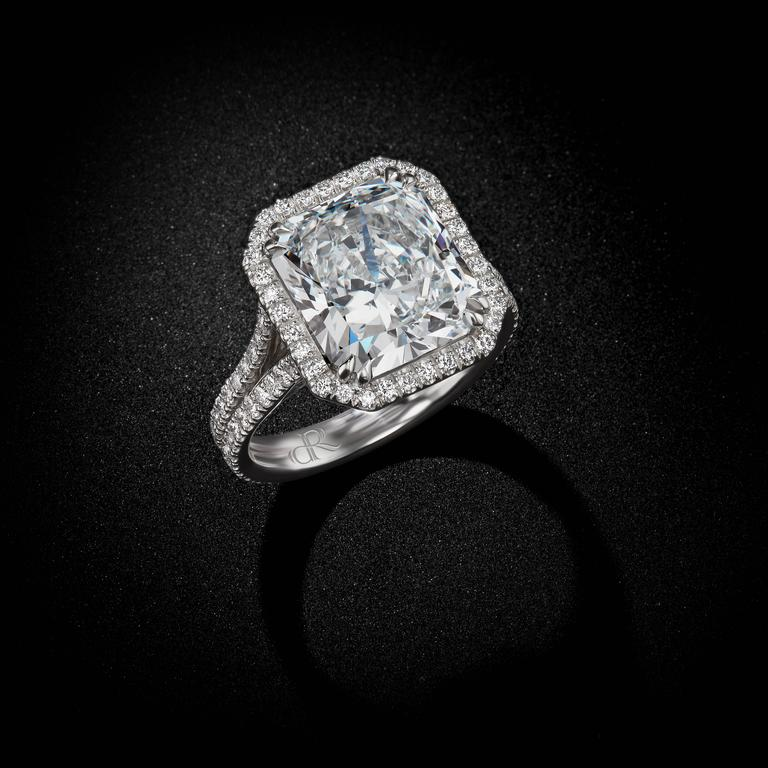 5.52 Carat Radiant Cut Diamond Platinum Ring In As new Condition For Sale In Boca Raton, FL