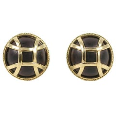 18 Karat Yellow Gold and Wood Earring