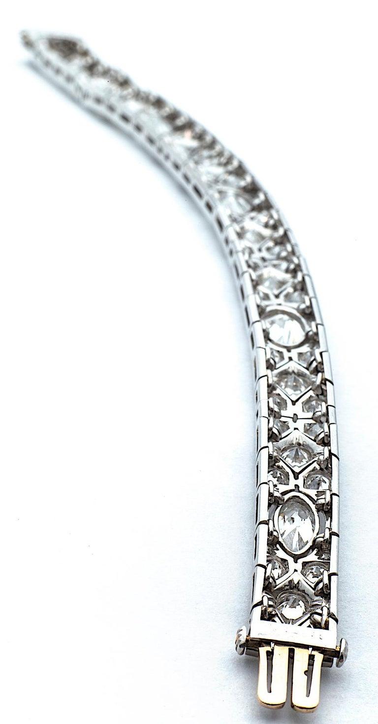 Cartier Magnificent Art Deco Diamond Platinum Bracelet For Sale 3