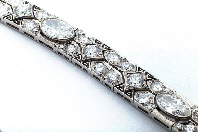 Cartier Magnificent Art Deco Diamond Platinum Bracelet For Sale 2