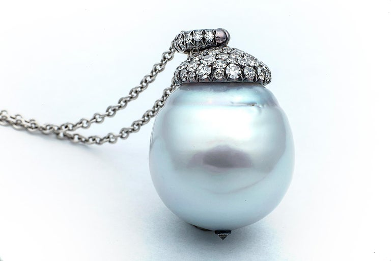 South Sea Pearl Diamond Platinum Pendant Necklace In New Condition For Sale In Greenwich, CT