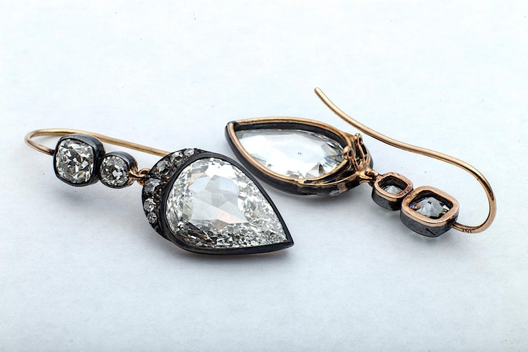 Old Mine Pear Cut GIA Certified Diamond Gold Silver Drop Earrings In New Condition For Sale In Greenwich, CT