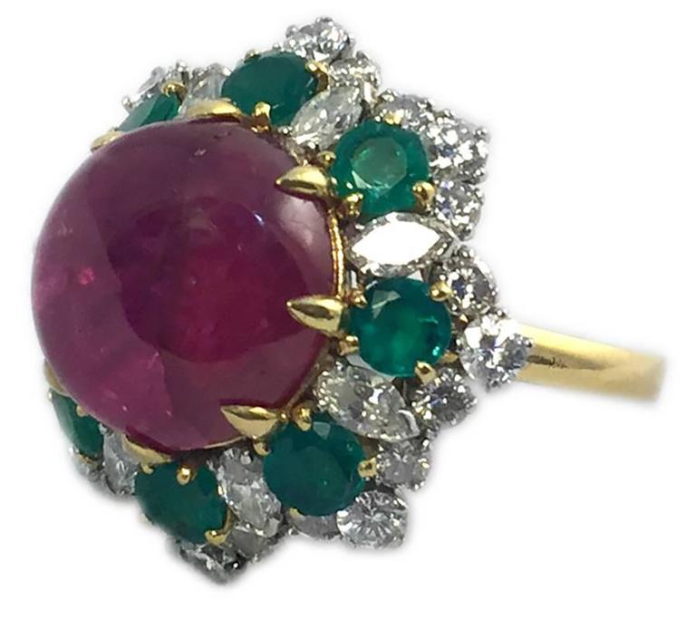 emerald and between pendant gemstone ruby differences blog