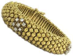Retro Chic Diamond Gold Filigree Bracelet