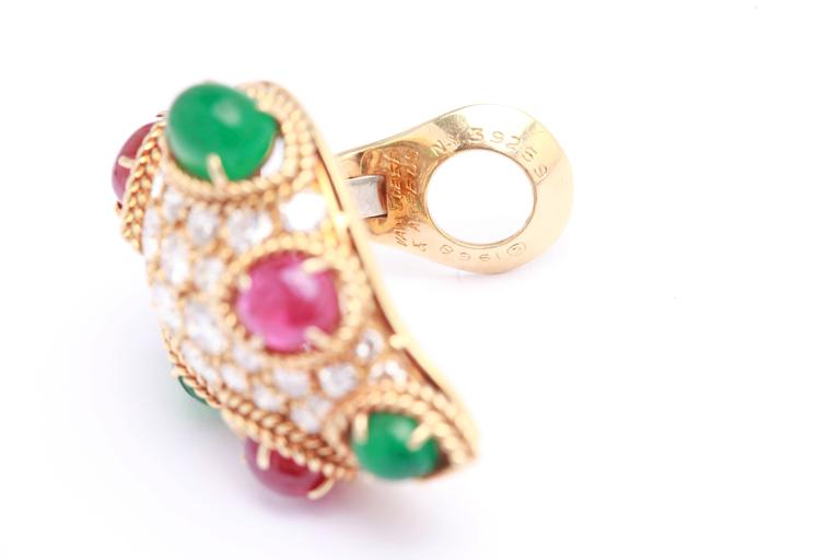 Van Cleef & Arpels Emerald Ruby Diamond Gold Ear Clips In Excellent Condition For Sale In New York, NY