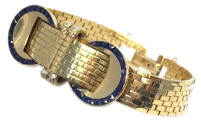 Women's VAN CLEEF & ARPELS A Sophisticated Yellow Gold Bracelet Watch For Sale