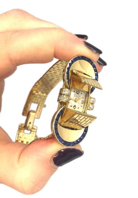 VAN CLEEF & ARPELS A Sophisticated Yellow Gold Bracelet Watch For Sale 3