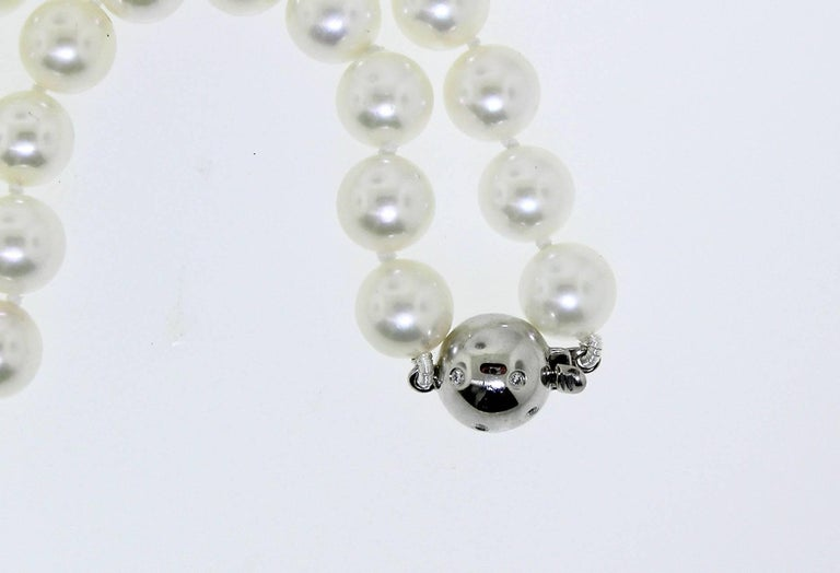 Contemporary Beautiful Choker Strand of Japanese Cultured Pearls For Sale