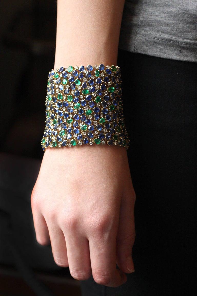 Women's Julius Cohen Wide Diamond Emerald Sapphire Peacock Tapestry Bracelet For Sale