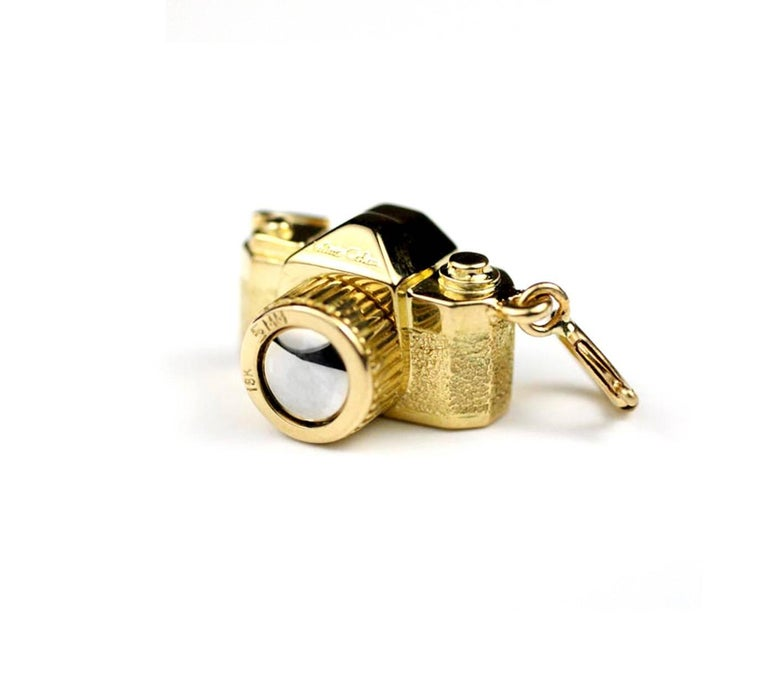 Contemporary Julius Cohen Gold and Platinum Vintage Camera Charm Necklace For Sale