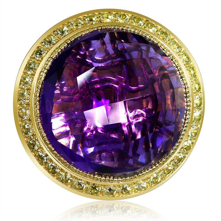 Inspired by the grandeur of antiquity, the Symbolica collection is enriched with meaning. The hand-carved gallery that reveals itself through the dramatic amethyst center creates an illusion of ancient symbols that in turn form an aura of timeless