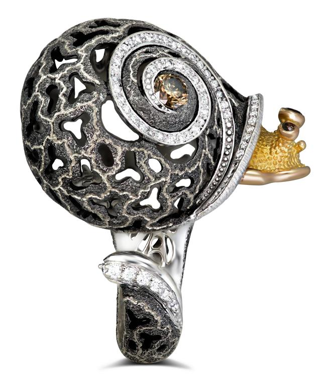 Women's Alex Soldier Diamond Blackened Gold Codi The Snail Ring One of a kind For Sale