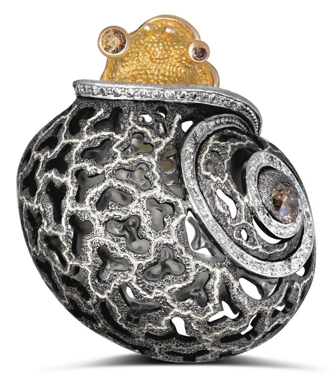 Alex Soldier Diamond Blackened Gold Codi The Snail Ring One of a kind In As New Condition For Sale In New York, NY