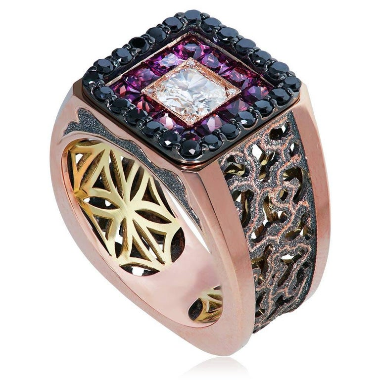 Diamond Garnet Gold Men's Textured Ring One of a Kind In New Condition In New York, NY