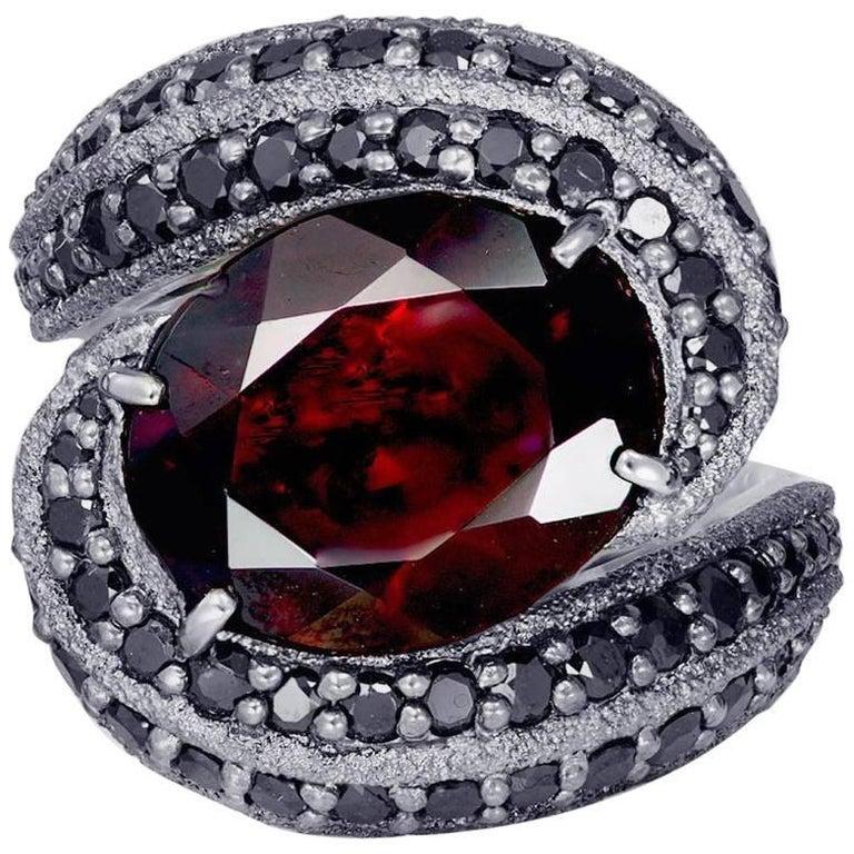 Alex Soldier Garnet Spinel Gold Textured Ring