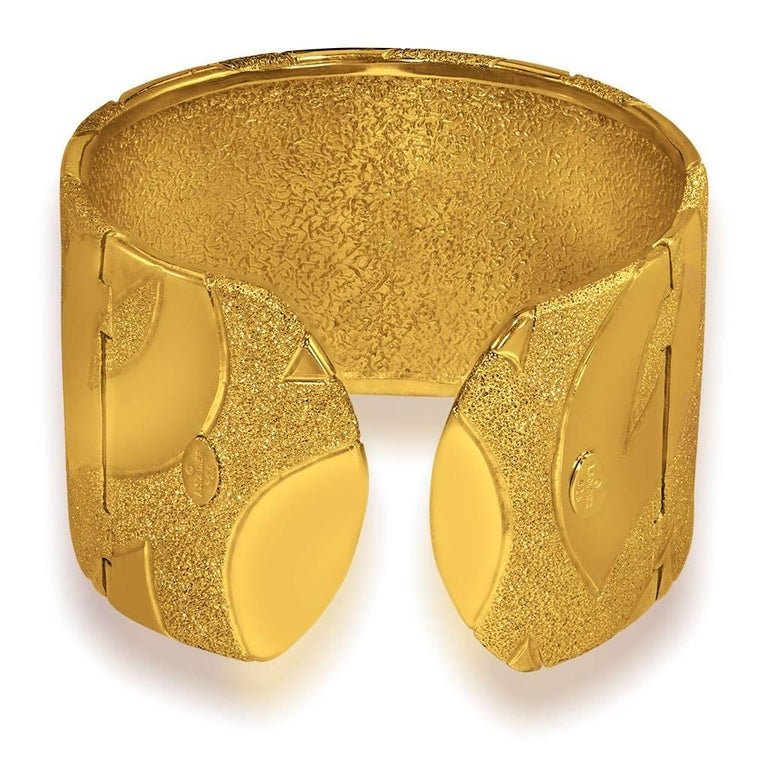 Sterling Silver Gold Textured Hinged Cuff Bracelet One of a Kind In New Condition For Sale In New York, NY