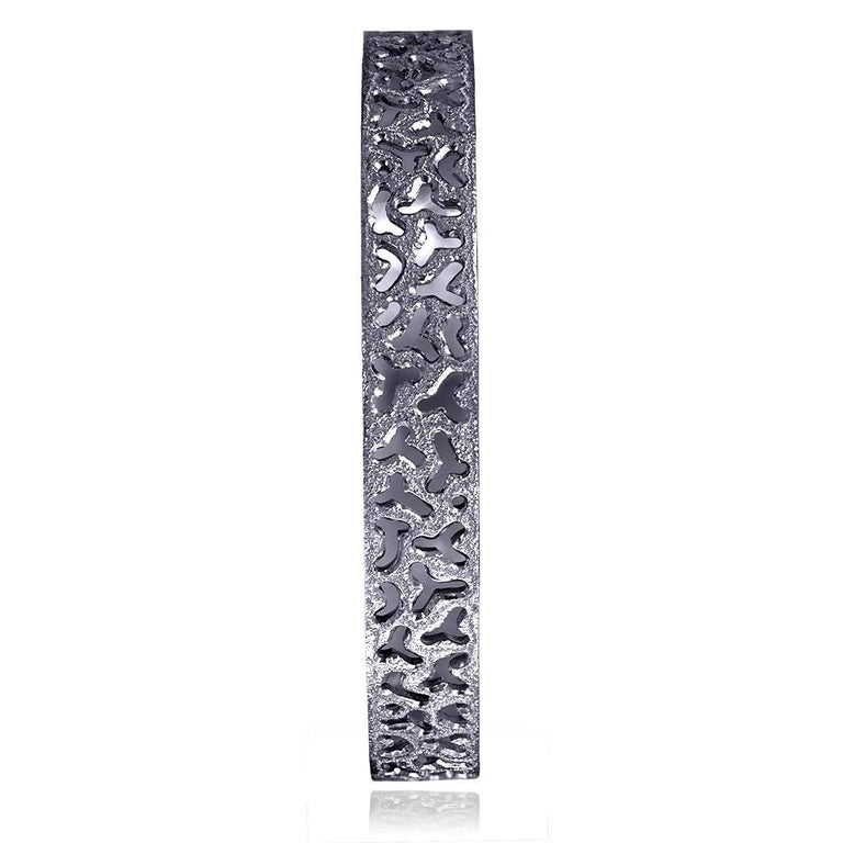 Sterling Silver Dark Platinum Textured Bangle Bracelet In New Condition For Sale In New York, NY