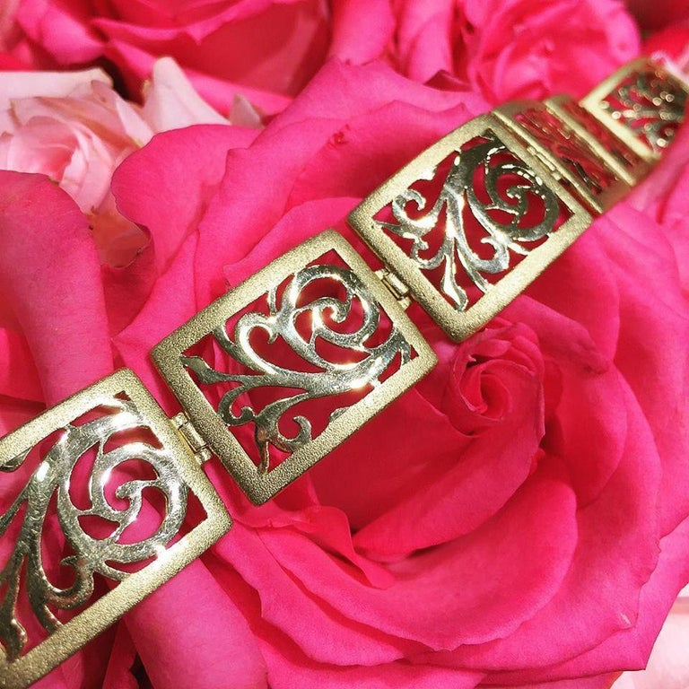 Diamond Yellow Gold Contrast Texture Handcrafted Link Bracelet One of a Kind In New Condition For Sale In New York, NY