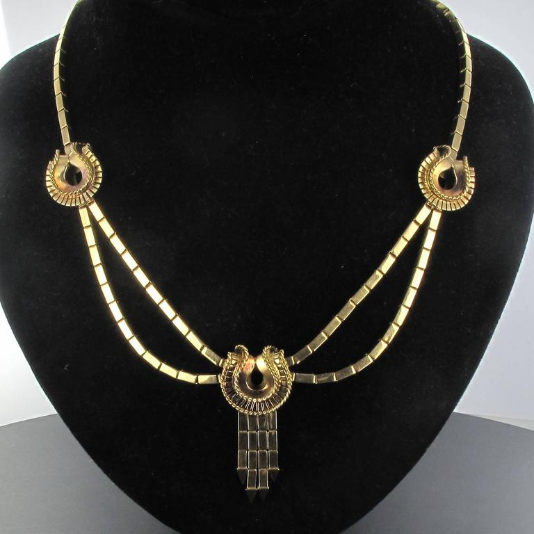 1940s French Retro 18 Karat Yellow Gold Tassel Necklace  For Sale 4