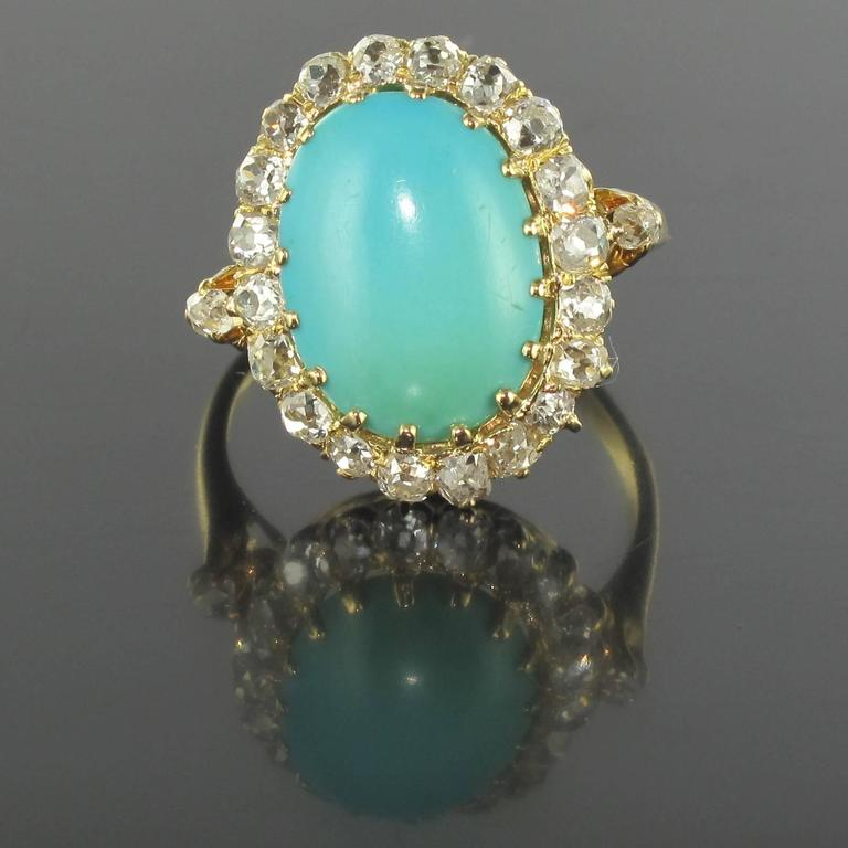 Ring in 18 carat yellow gold. 