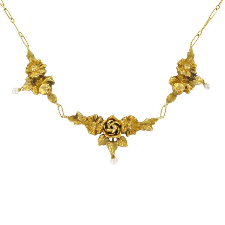 French 1900s Roses and Natural Pearl Gold Necklace  1
