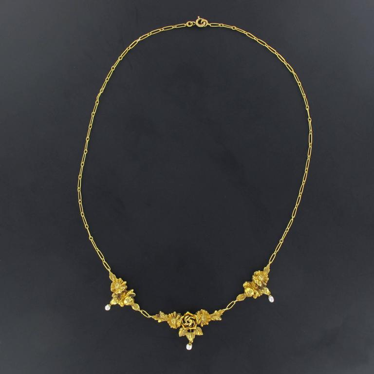 French 1900s Roses and Natural Pearl Gold Necklace  5