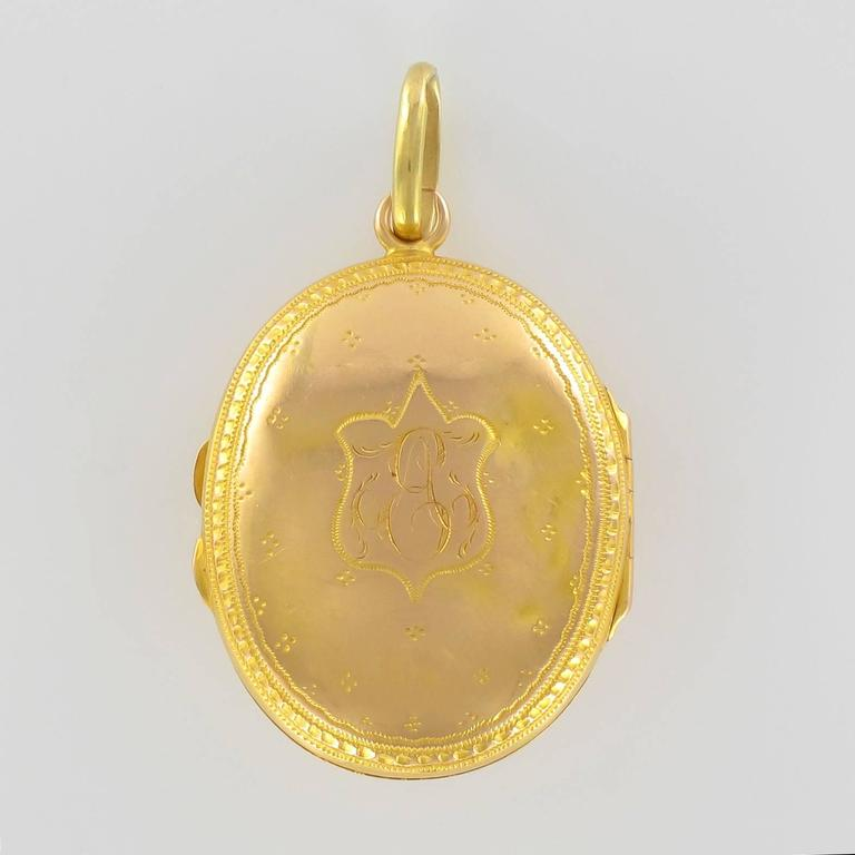 19th Century Sapphire and Natural Pearl Oval Gold Locket Pendant For Sale 1