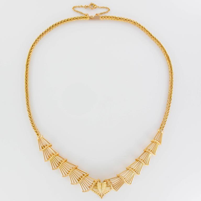 Women's Antique Gold Necklace For Sale