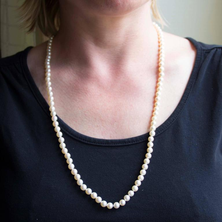 Retro French 1950s Akoya Pearl Choker Necklace For Sale