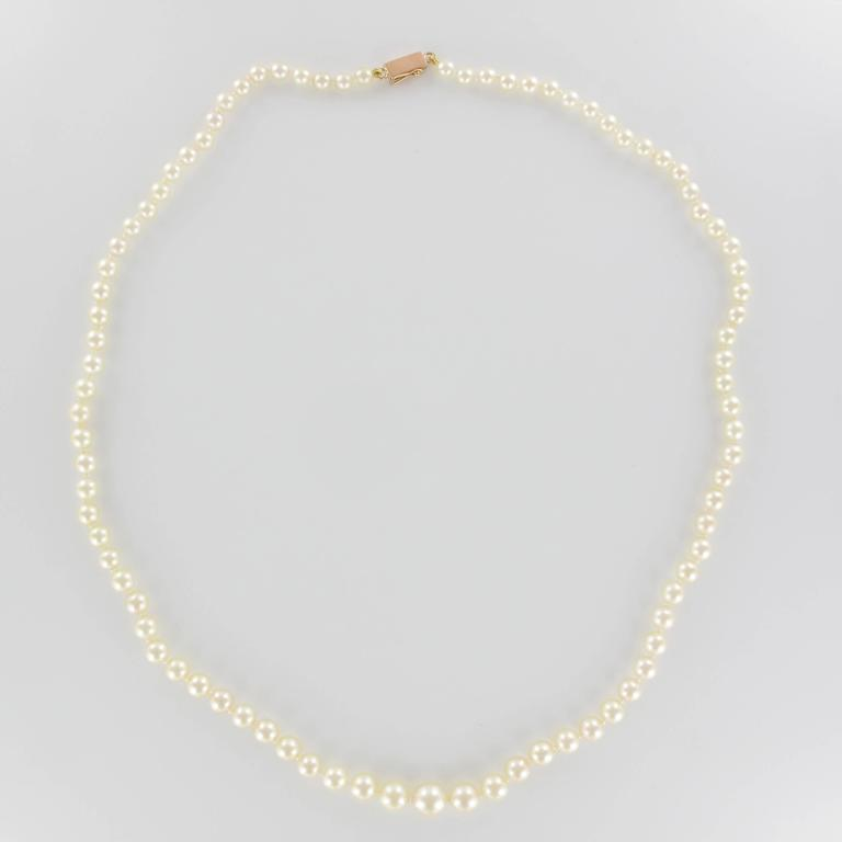 1950s Japanese Cultured Round Pearl Necklace For Sale 1