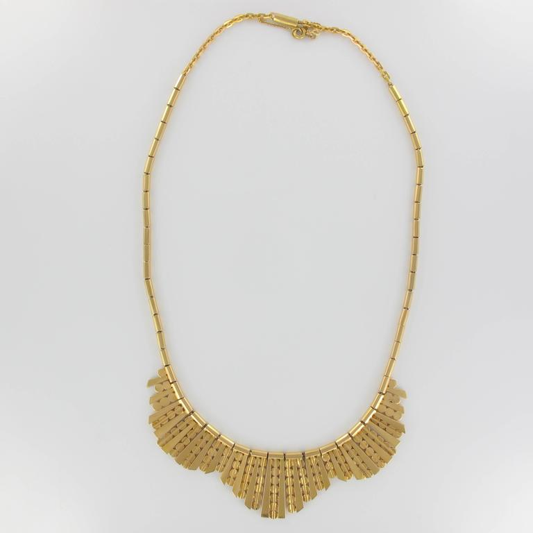 1960s French Gold Necklace with Radiant Motif For Sale 1