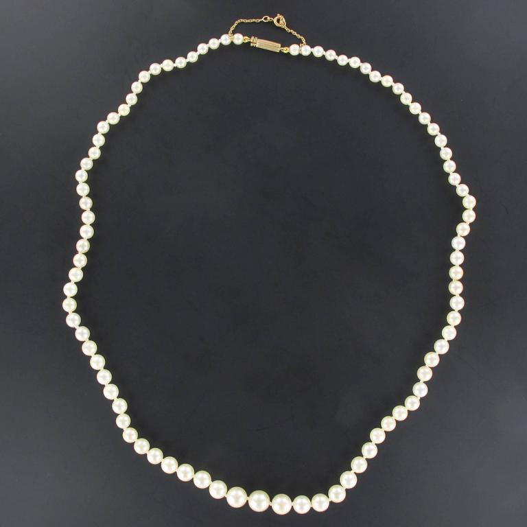 Retro 1950s Japanese Cultured Round White Pearl Necklace For Sale