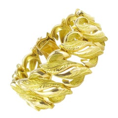 French 1950s Retro Gold Leaf Design Bracelet