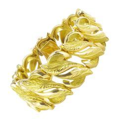 French 1950s Retro Gold Leaf Design Bracelet