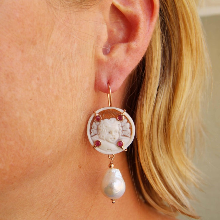 Italian Shell Cameo Crystal and Baroque Pearl Earrings In New Condition For Sale In Poitiers, FR