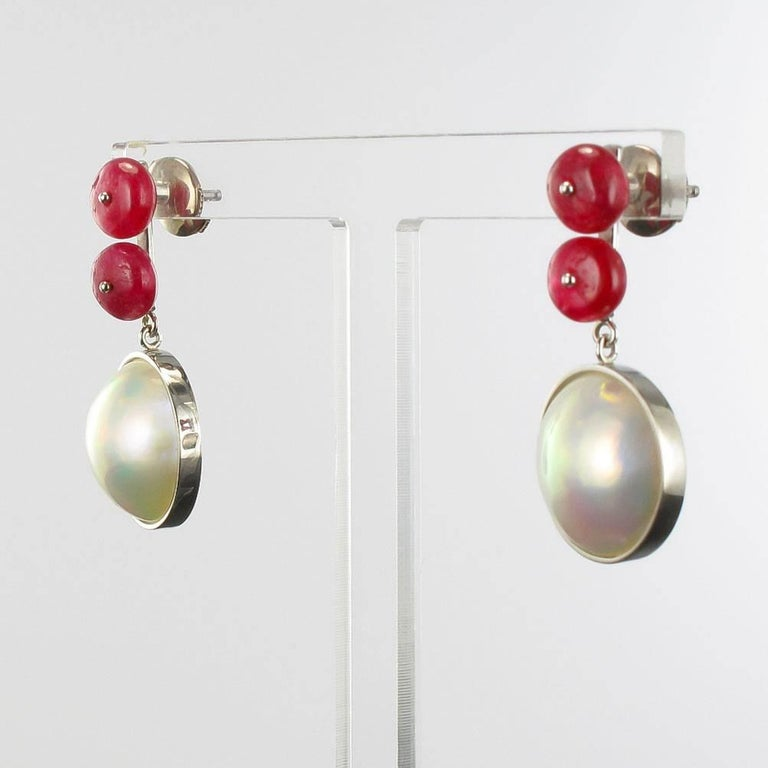 Women's Baume 8.50 Ruby South Seas Mabé Pearl White Gold Dangle Earrings For Sale