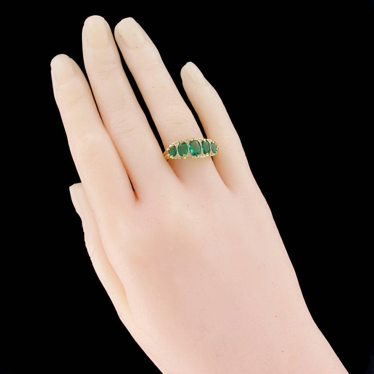 Women's 1900s Edwardian 1.66 Carat Emerald Diamond Yellow Gold Ring For Sale