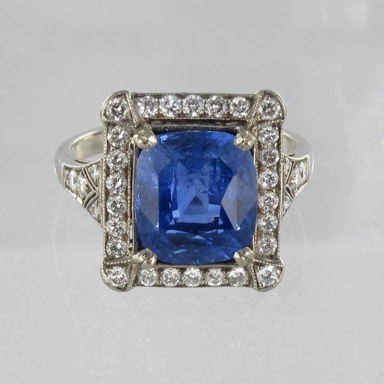 Art Deco Style French 5 Carat Ceylon Sapphire Diamond 18 Karat White Gold Ring For Sale 11