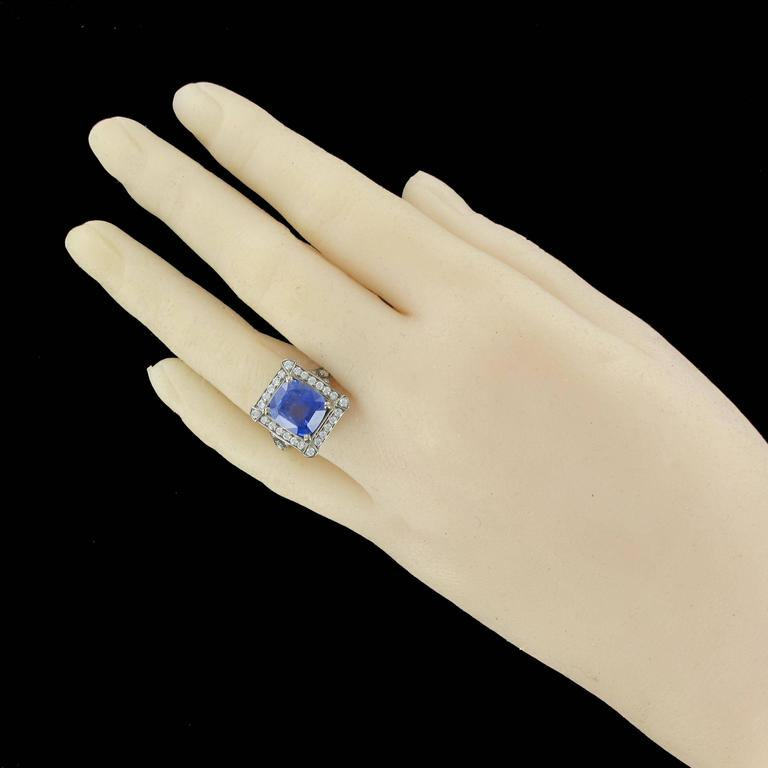 Art Deco Style French 5 Carat Ceylon Sapphire Diamond 18 Karat White Gold Ring For Sale 14