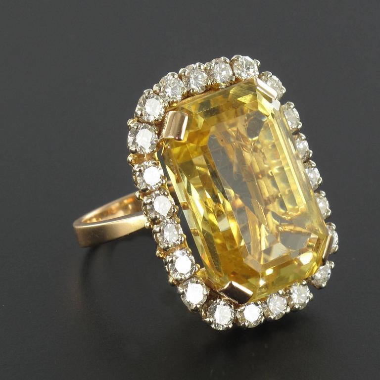 Splendid 1960s 22.85 carat Citrine 2.65 carat Diamond 18 carat Gold Ring 5