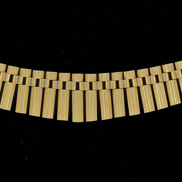 French Gold necklace For Sale 6