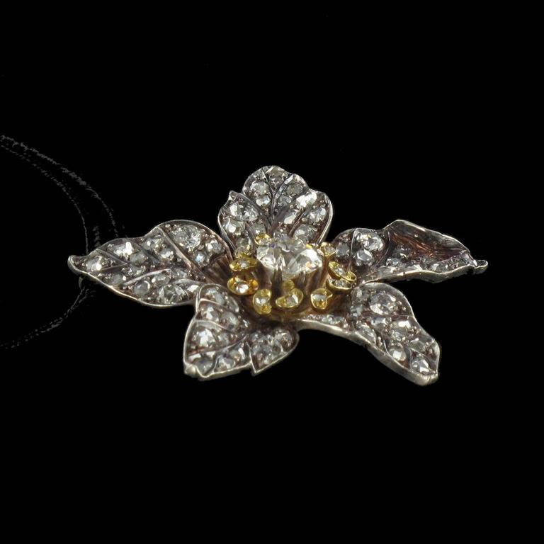 French Antique 19th Century Diamond Silver Gold Flower Pendant For Sale 11